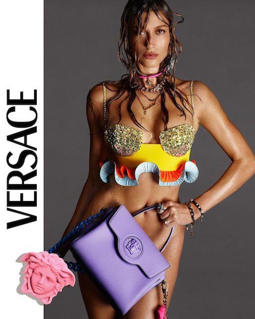 137548883 399652357768750 463734513949307002 n Hailey Baldwin hot per Versace