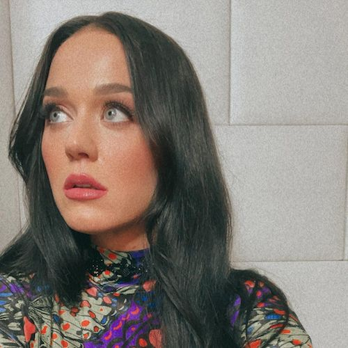 147093132 434700101102851 3808528193671240557 n Katy Perry ritorna a lavoro