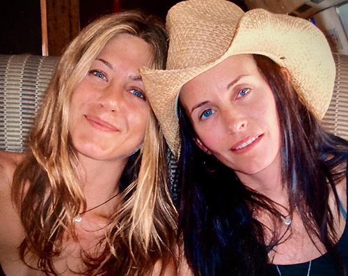 jennifer aniston courteney cox Jennifer Aniston, gli auguri di Courteney e Justin per il suo compleanno