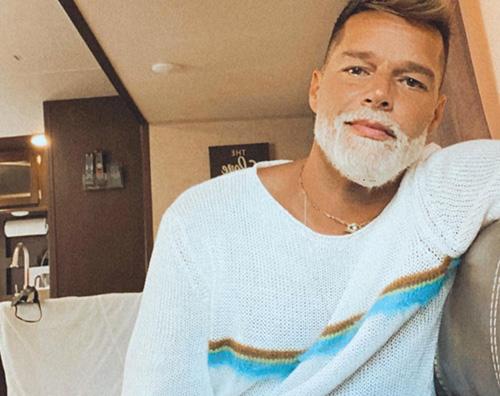 ricky martin Ricky Martin ha ancora il pizzetto ossigenato