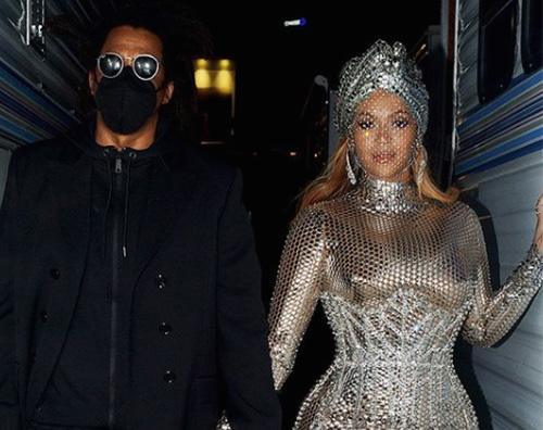 beyonce 2 Beyonce scintillante allafter party dei Grammy
