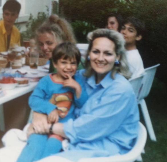 henry cavill Henry Cavill festeggia sua madre su Instagram