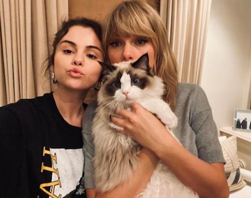 selena taylor 1 Selena Gomez ha nostalgia di Taylor Swift