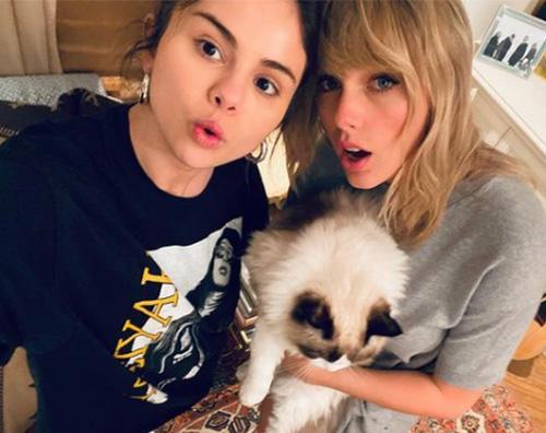 selena taylor 2 Selena Gomez ha nostalgia di Taylor Swift