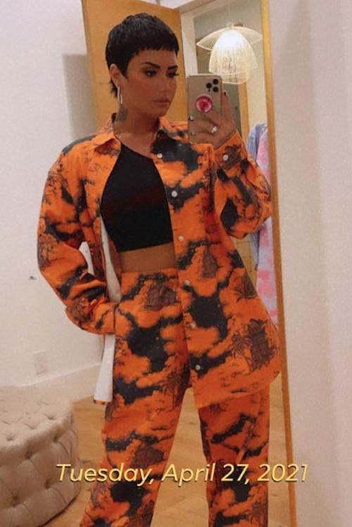 Schermata 2021 04 28 alle 12.45.41 Demi Lovato in arancione su Instagram