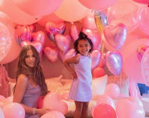 khloe kardashian Khloe Kardashian celebra il compleanno di True