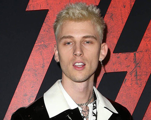 machine gun kelly Machine Gun Kelly ha un nuovo (e inquietante) tattoo