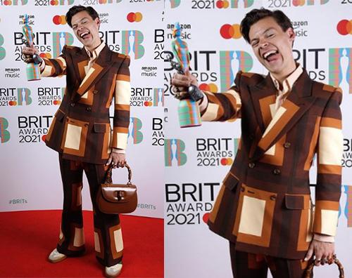 harry styles Harry Styles anni 70 ai Brit Awards 2021
