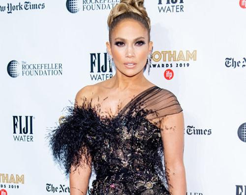 jennifer lopez 2 Jennifer Lopez mostra il lato B su Instagram