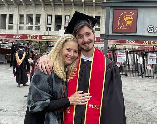 lisa kudrow Lisa Kudrow, mamma orgogliosa sui social