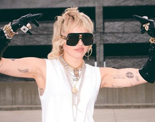 Miley Cyrus è pronta per il SNL