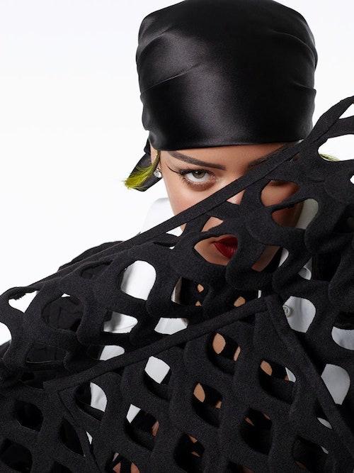Rihanna Powerful 316541 v2 Rihanna fotografa di sé stessa su Vogue Italia