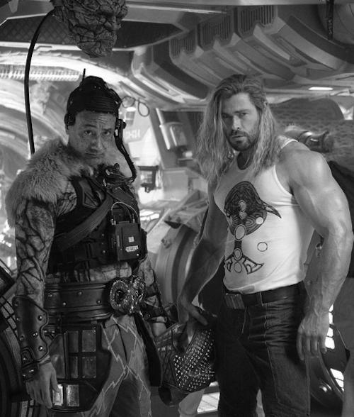 Schermata 2021 06 02 alle 23.45.42 Chris Hemsworth celebra la fine delle riprese di Thor: Love and Thunder