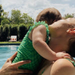 gigi 2 150x150 Gigi Hadid, relax in piscina con Khai
