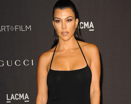 kourtney kardashian Kourtney Kardashian, nuotata notturna in piscina