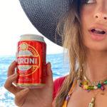 emily 1 150x150 Emily Ratajkowski, le vacanze in Italia sono bollenti