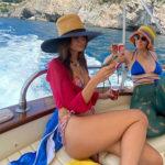 emily 2 150x150 Emily Ratajkowski, le vacanze in Italia sono bollenti