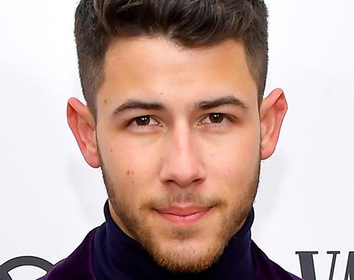 nick jonas Anche Nick Jonas si è tagliato la barba
