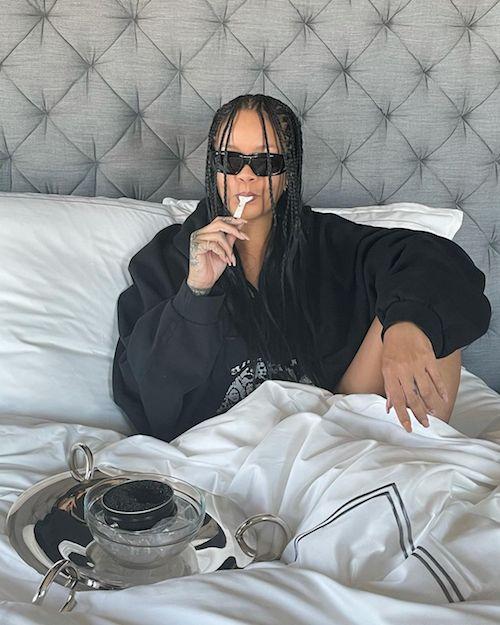 234632431 200916972054803 6045912042902194522 n Rihanna, colazione a letto a base di caviale