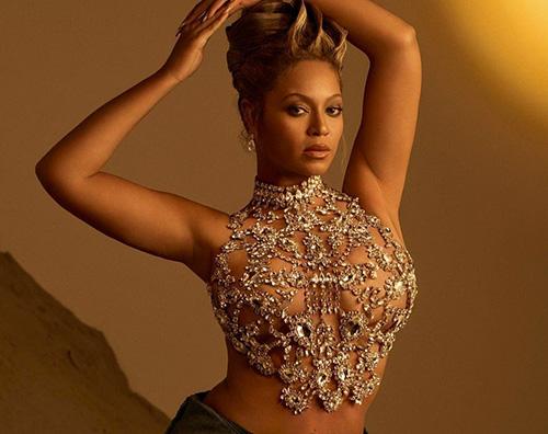 beyonce Beyonce è sulla cover di Harpers Bazaar