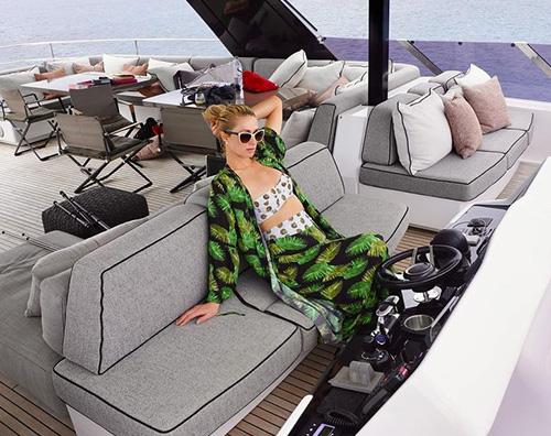 paris 1 Paris Hilton, vacanza extralusso in Corsica