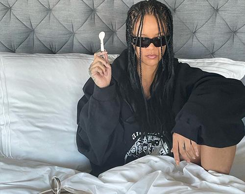 rihanna Rihanna, colazione a letto a base di caviale