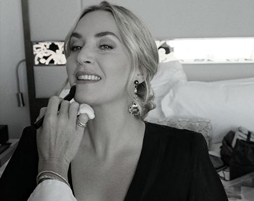 Kate Winslet, le foto del backstage prima degli Emmy 2021