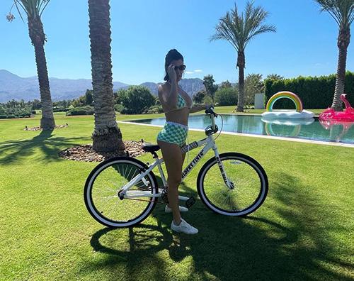 kourtney kardashian Kourtney Kardashian, fisico al top su Instagram