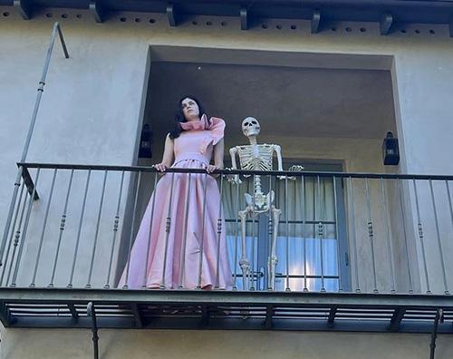 Alexandra Daddario Alexandra Daddario è già pronta per Halloween