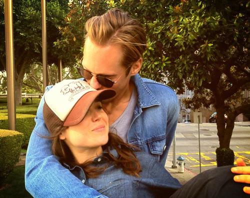 ellen alexander Cè del tenero tra Alexander Skarsgard e Ellen Page?