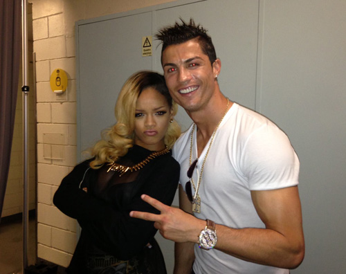 ronaldo Cristiano Ronaldo con Rihanna nel backstage